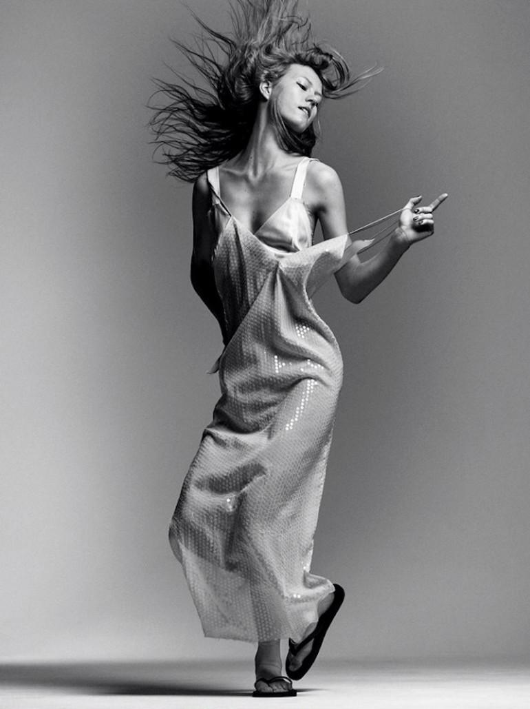 Julia Wachtel by Victor Demarchelier for Numero 16