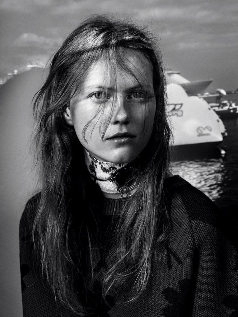 Julia Wachtel by Victor Demarchelier for Numero 5