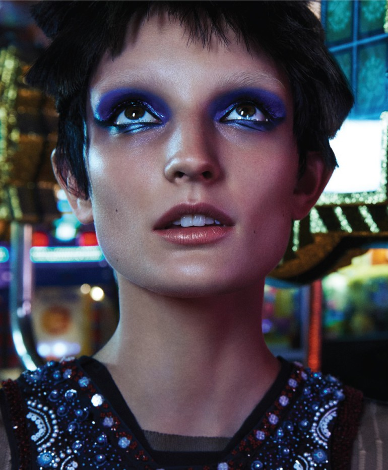 Julia Fleming 'A Light Shone in the Night' by Dominique Sheldon for 10 Magazine 7