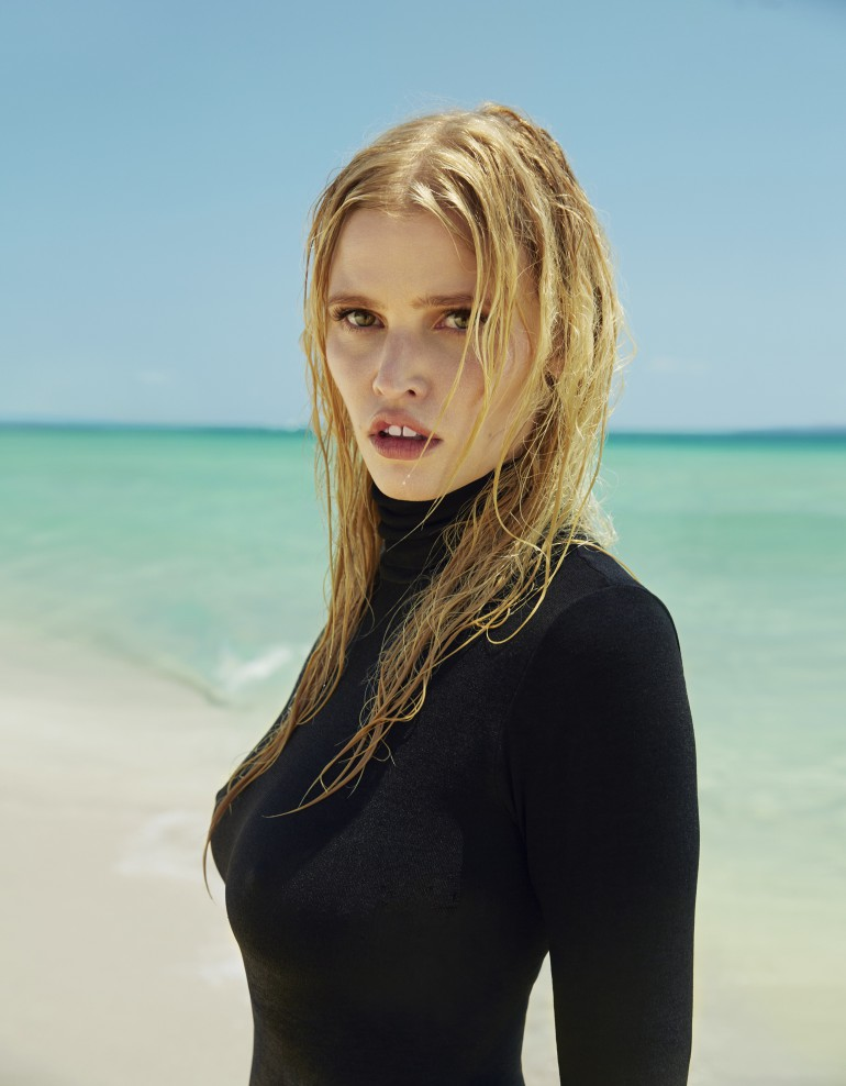 The-Daily-Summer-August-4-2016-Lara-Stone-by-Sebastian-Faena-06