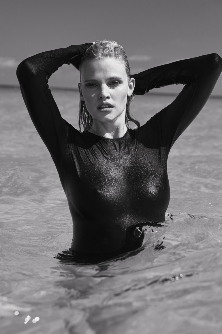 The-Daily-Summer-August-4-2016-Lara-Stone-by-Sebastian-Faena-07