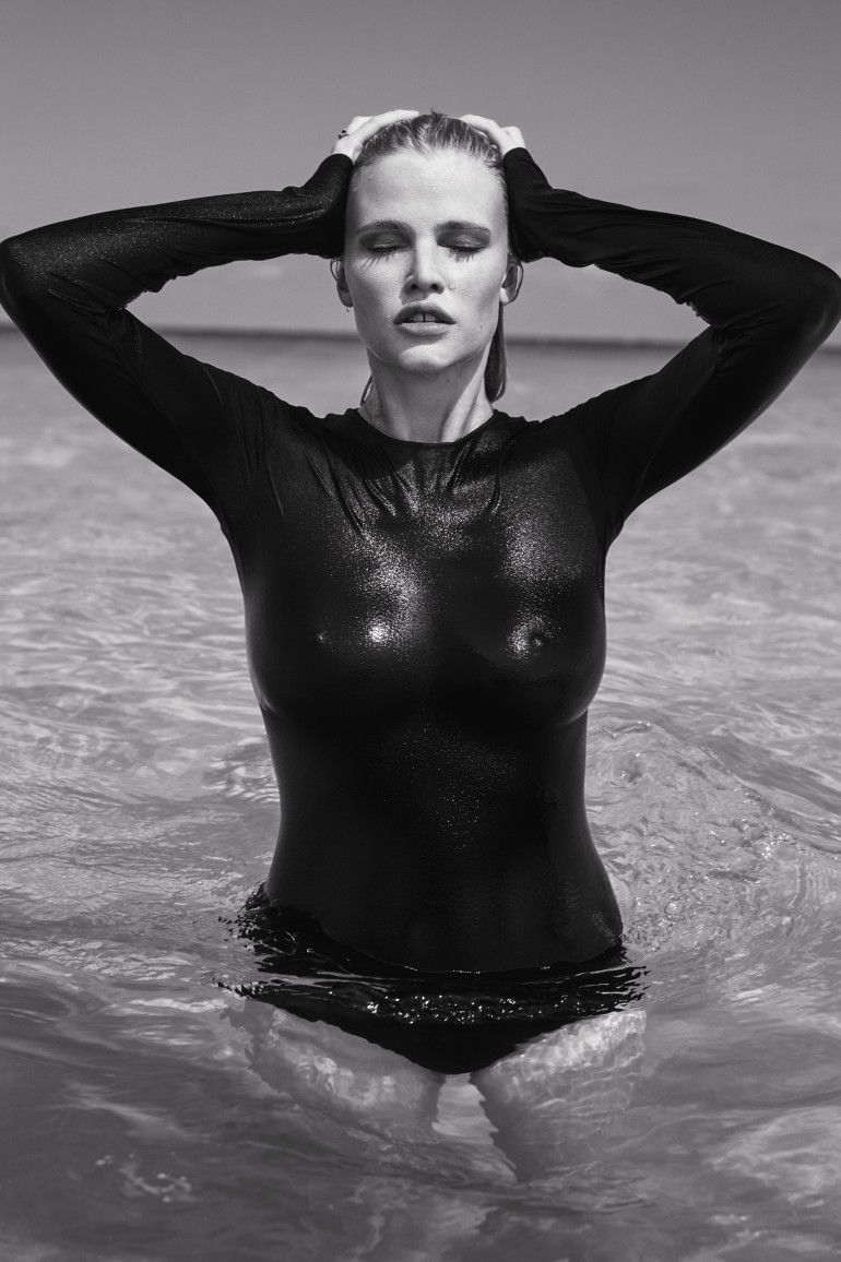 The-Daily-Summer-August-4-2016-Lara-Stone-by-Sebastian-Faena-08