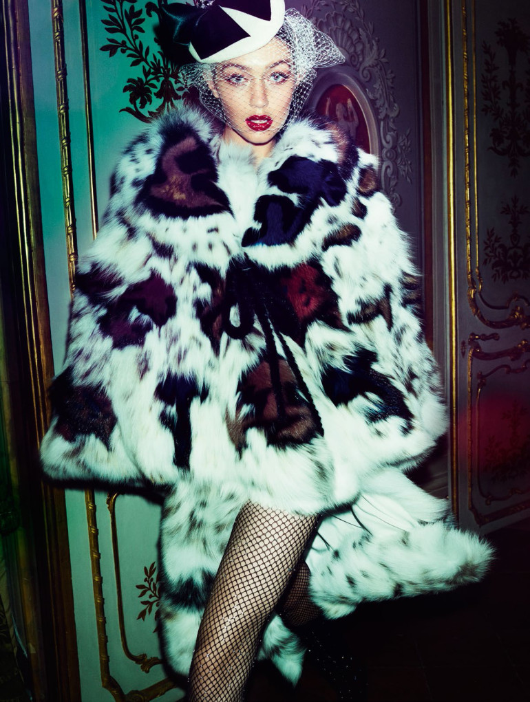gigi-hadid-by-mario-testino-for-vogue-paris-november-2016-0015
