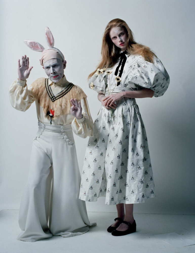 an-artist-of-the-floating-world-by-tim-walker-for-vogue-uk-dec-2016-4