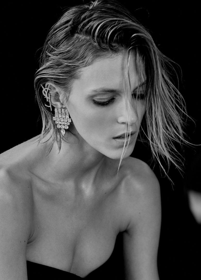 Vogue_Ukraine_February_2017_Anja_Rubik_by_Chris (16)