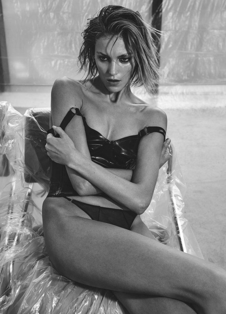 Vogue_Ukraine_February_2017_Anja_Rubik_by_Chris (5)