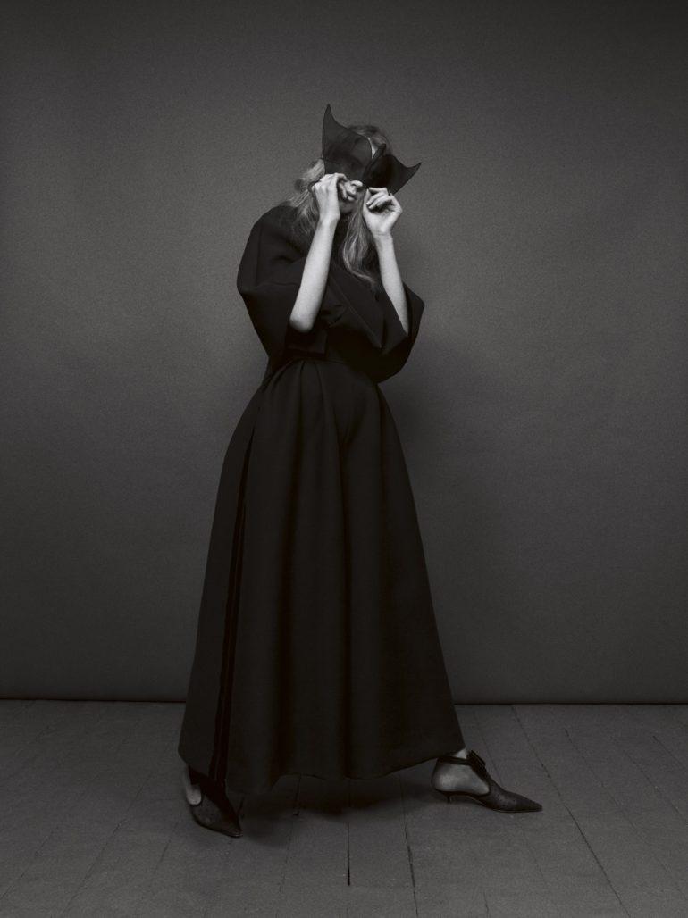 Vogue-Italia-March-2017-Dior-Ally-Ertel-by-Emma-Summerton-05