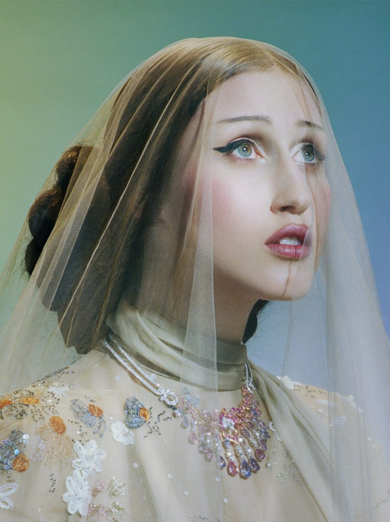 Vogue-Italia-March-2017-Haute-Couture-Anna-Cleveland-by-Miles-Aldridge-13 (1)